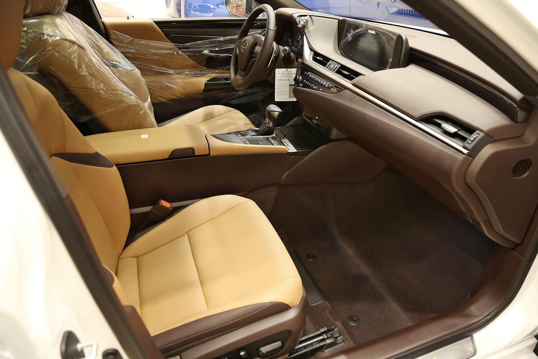 Interior Image for  LEXUS ES350 AA 2020