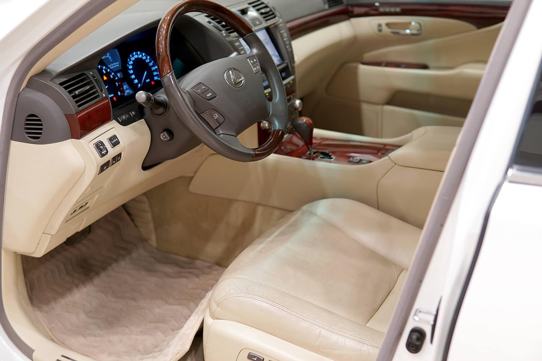 Interior Image for  LEXUS LS 460L 2012