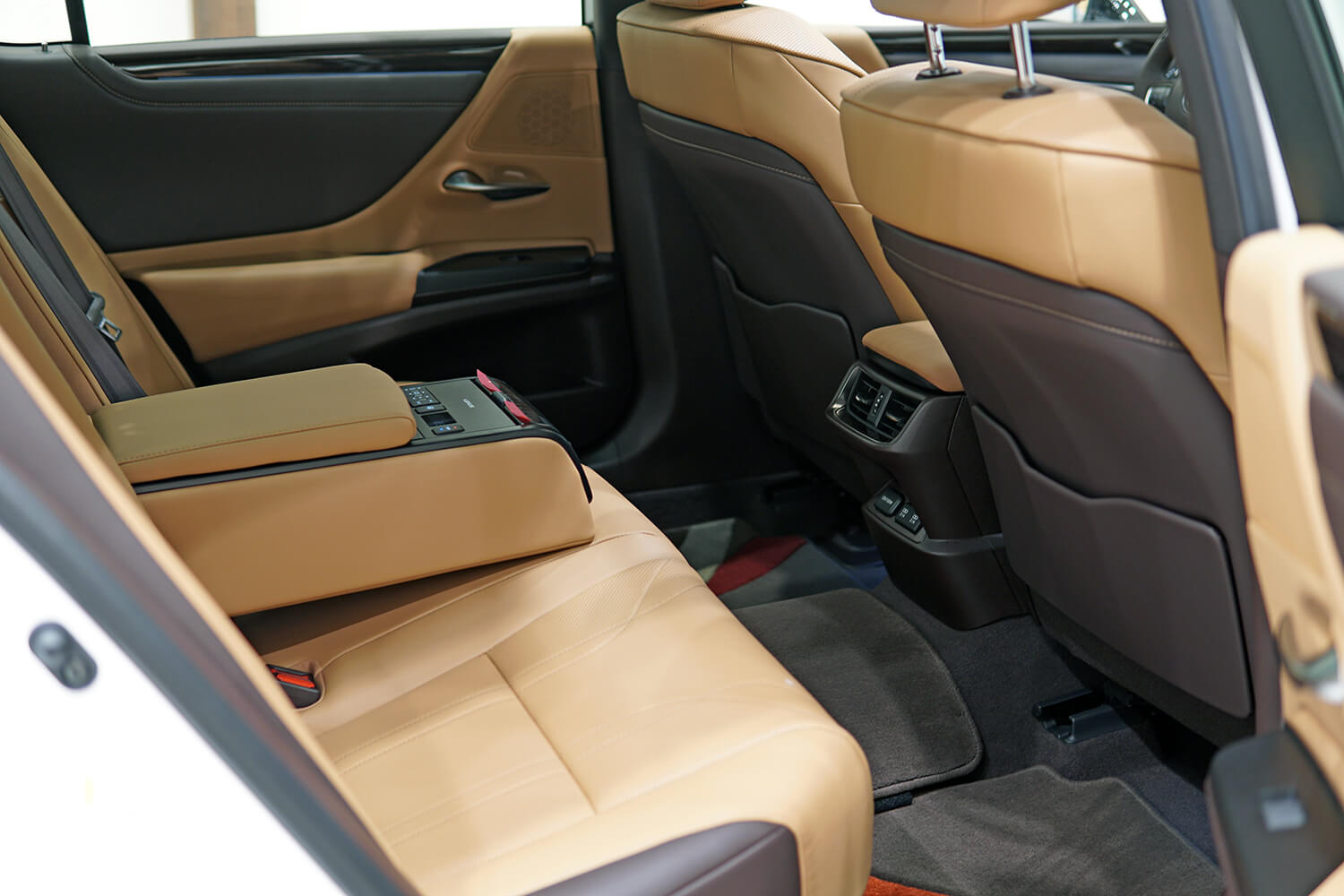Interior Image for  LEXUS ES350 CC 2019