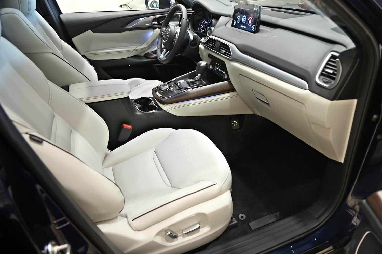 صورة داخلية للسيارة  مازدا CX-9 Signature 2020