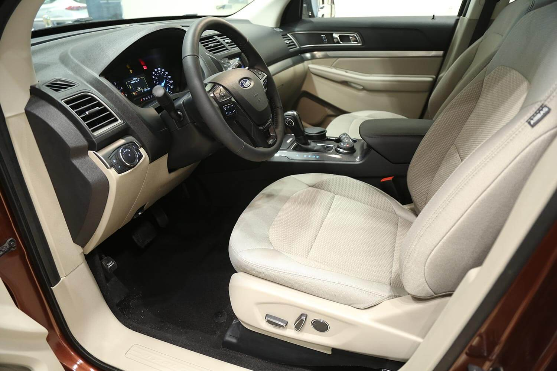 صورة داخلية للسيارة  فورد اكسبلورر XLT - AWD 2018