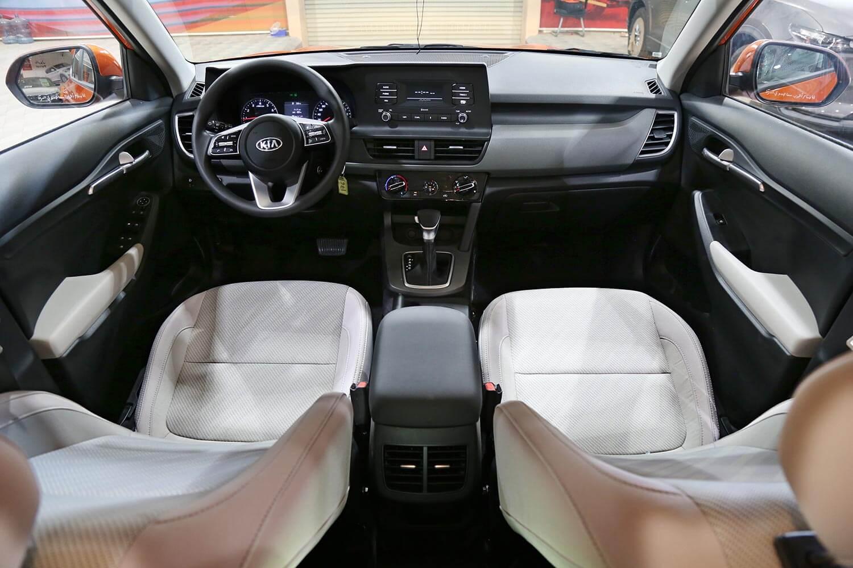 صورة داخلية للسيارة  كيا سيلتوس LX 2021
