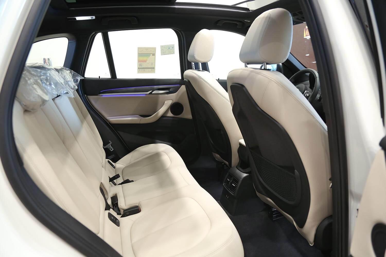 صورة داخلية للسيارة  بي ام دبليو X1 -20 IA S - Driv 2020