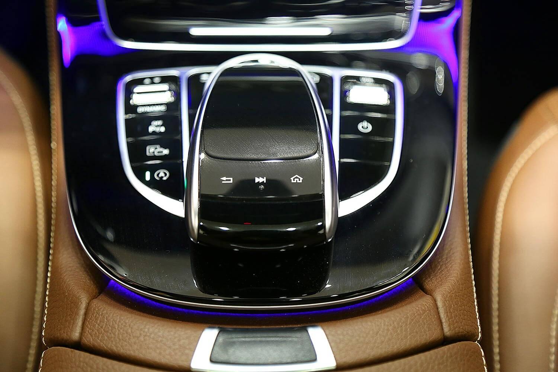 صورة داخلية للسيارة  مرسيدس بنز E 200 2020