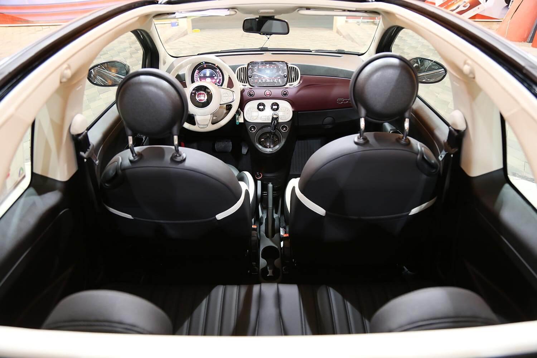صورة داخلية للسيارة  فيات 500C Convertible 2021