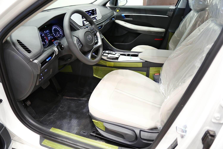 صورة داخلية للسيارة  هيونداي سوناتا GL 2020