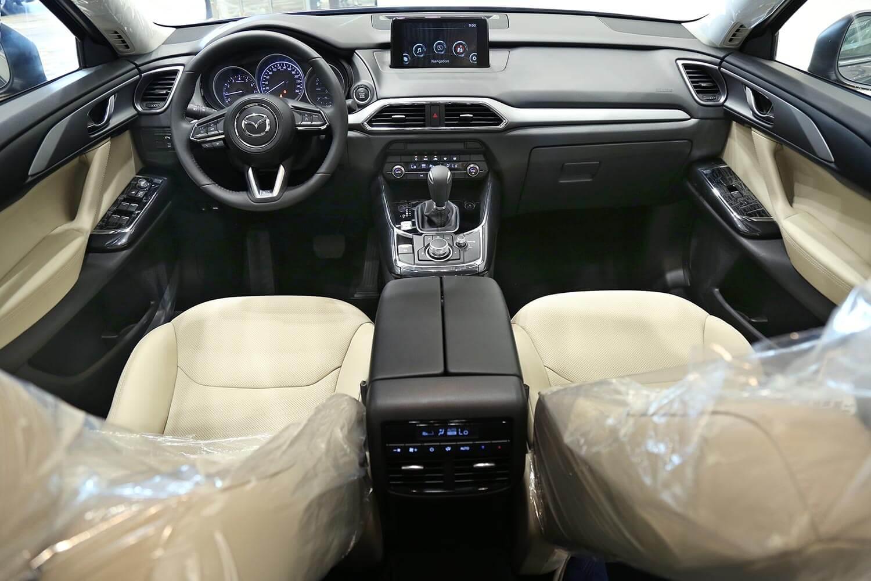 صورة داخلية للسيارة  مازدا CX-9 TC 2019