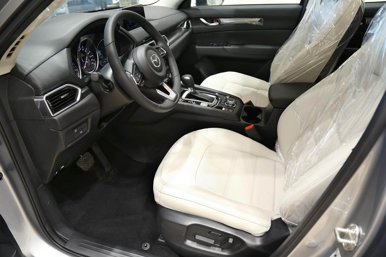 صورة داخلية للسيارة  مازدا CX-5 SKYACTIV 2019