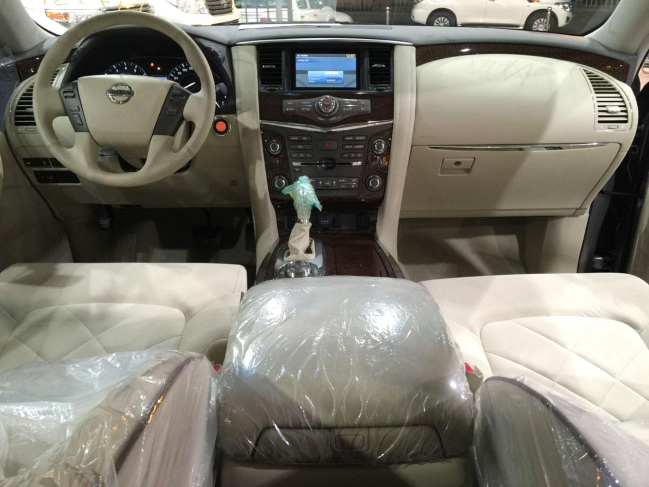 صورة داخلية للسيارة  نيسان باترول SE2 2019