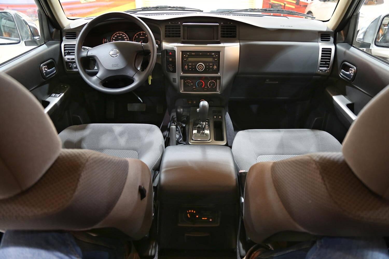 صورة داخلية للسيارة  نيسان باترول GL 2019