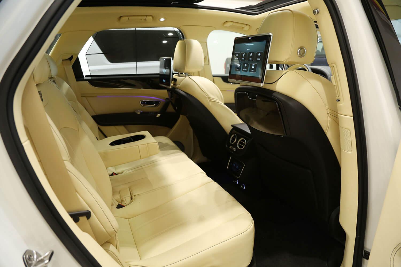 صورة داخلية للسيارة  بينتلي بنتايجا بينتايجا 2018