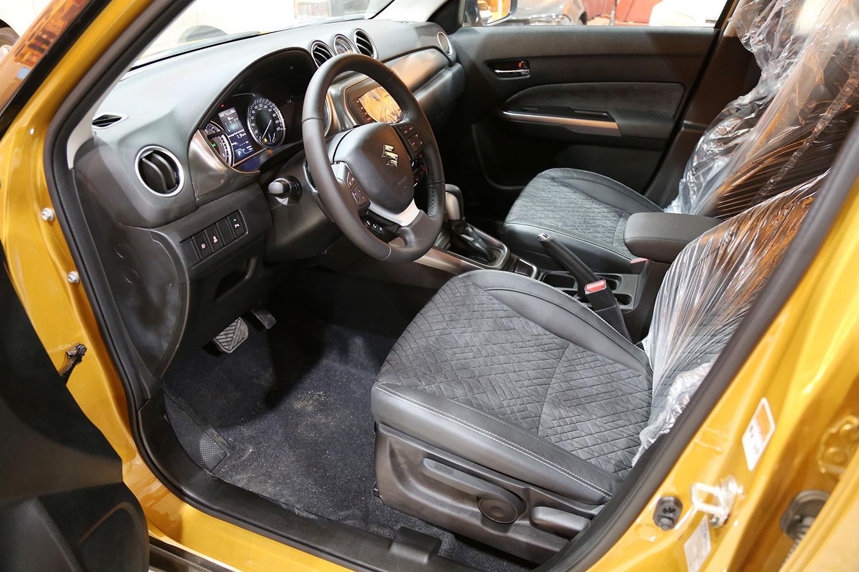 صورة داخلية للسيارة  سوزوكي فيتارا GLX 2020