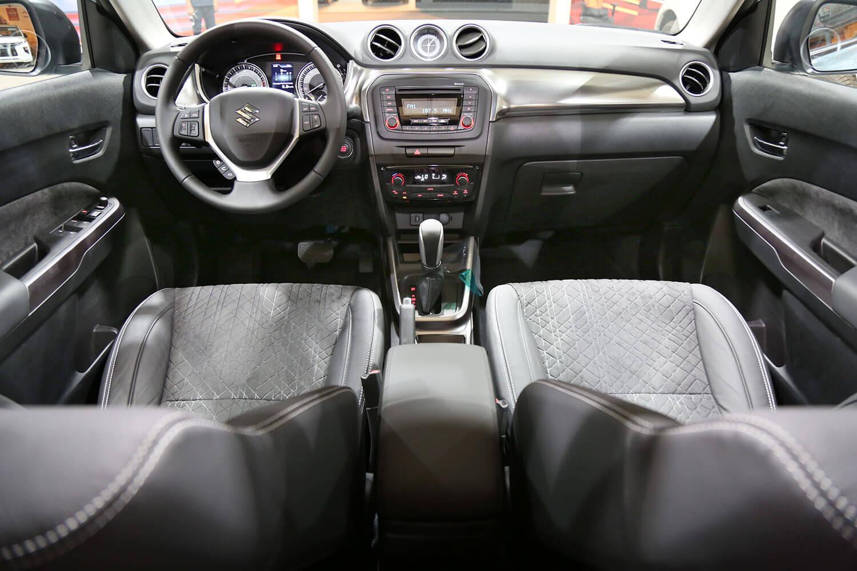 صورة داخلية للسيارة  سوزوكي فيتارا GLX-SR 2020