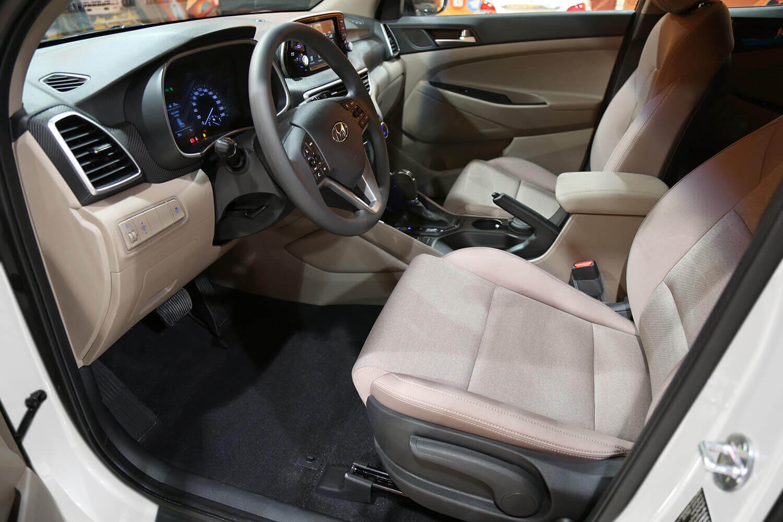 صورة داخلية للسيارة  هيونداي توسان GLS 2WD 2021