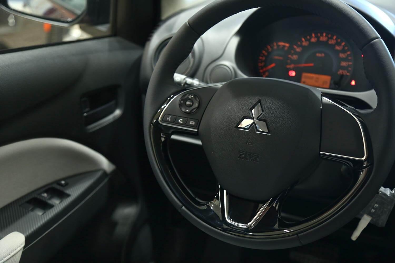 صورة داخلية للسيارة  ميتسوبيشي سبيس ستار HL 2021