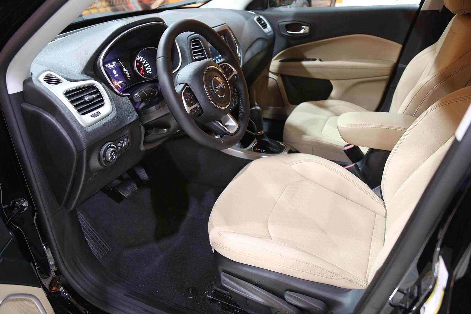 Interior Image for  Jeep Compass Longitude - PLUS 2021