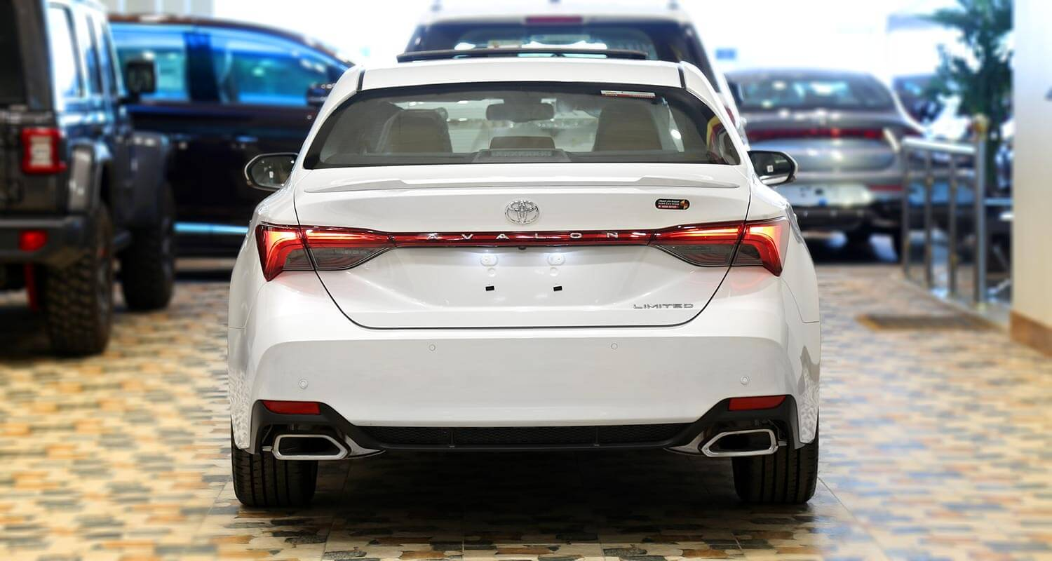 Exterior Image for  TOYOTA Avalon Limited 2019
