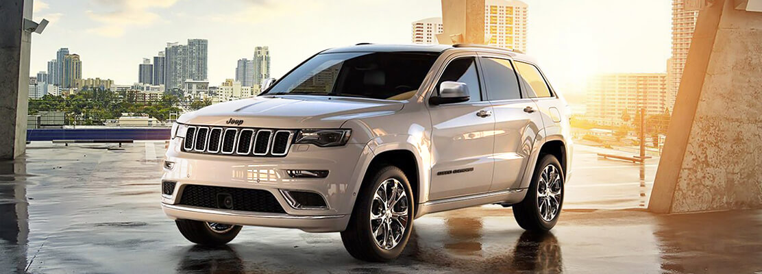 Cover Photo of  Jeep Grand Cherokee Limited - S 2021