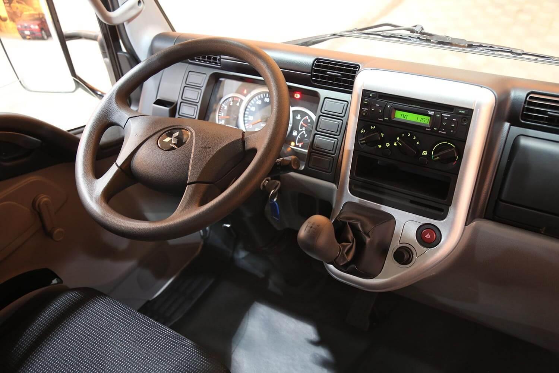 صورة داخلية للسيارة  ميتسوبيشي FUSO CANTER 2020
