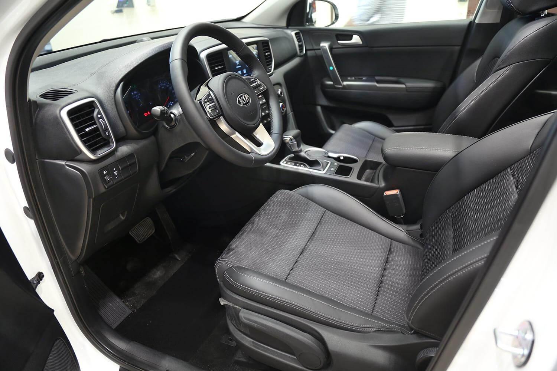 صورة داخلية للسيارة  كيا سبورتاج LX-GDI 2021