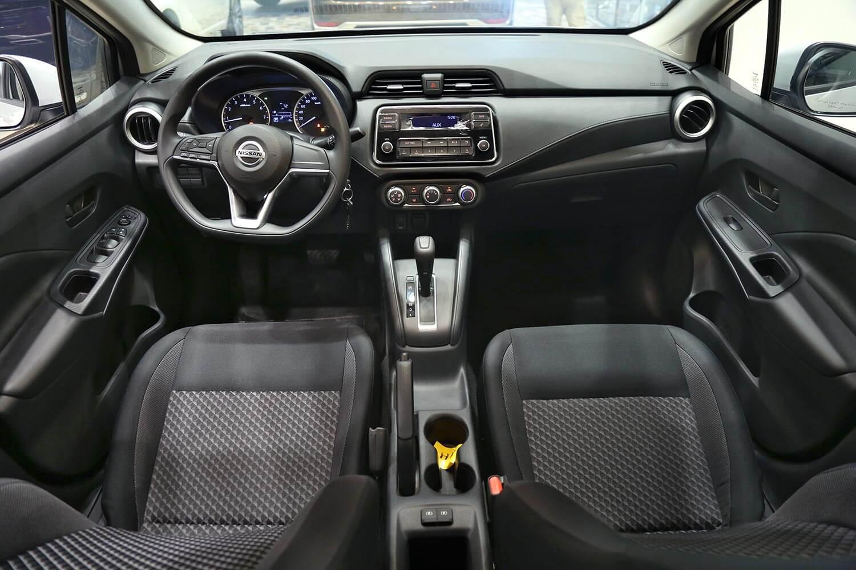 صورة داخلية للسيارة  نيسان صني S 2021