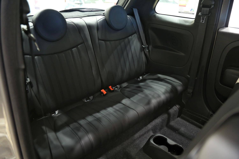 صورة داخلية للسيارة  فيات 500 Hatchback جلد 2020