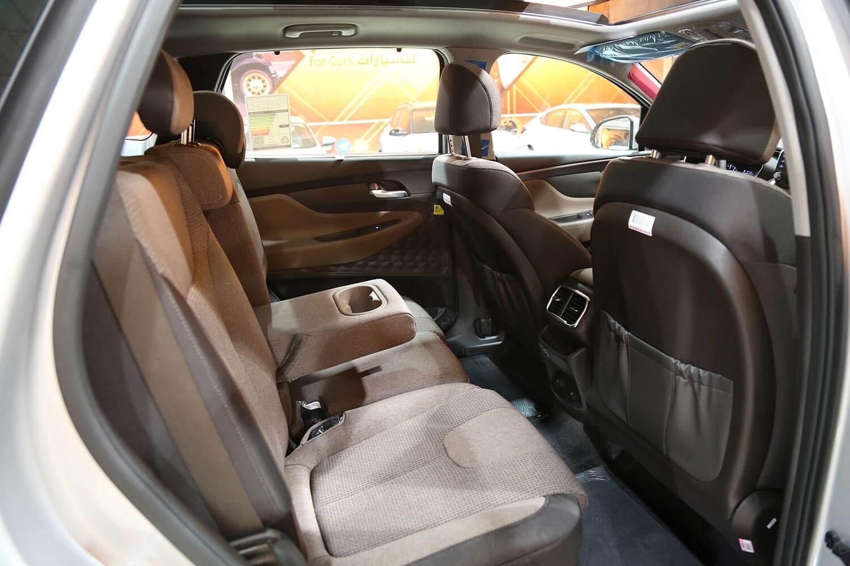 صورة داخلية للسيارة  هيونداي سنتافي HTRAC 2020