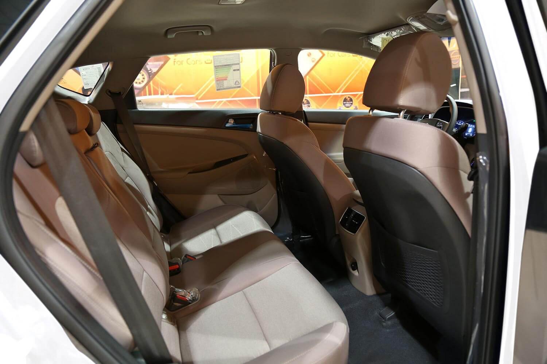 صورة داخلية للسيارة  هيونداي توسان GL 2021