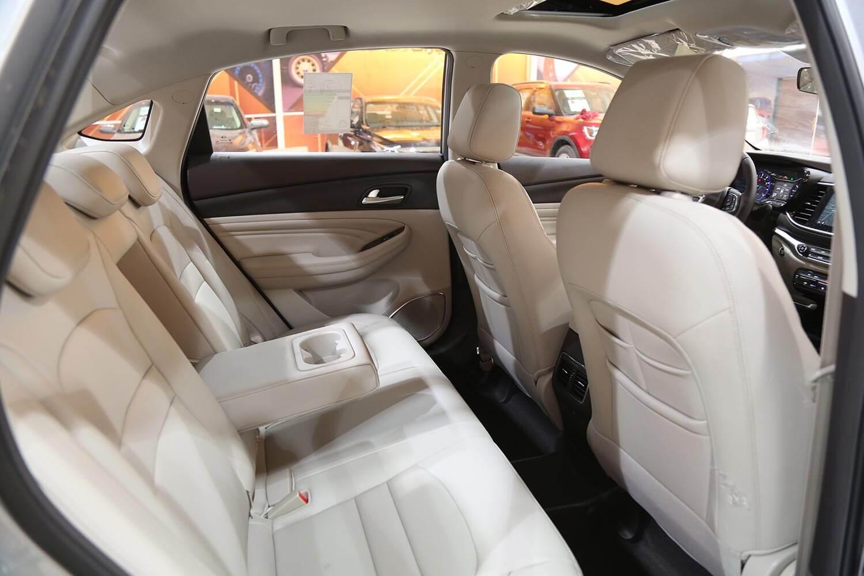 صورة داخلية للسيارة  GAC GA4 GE 2021