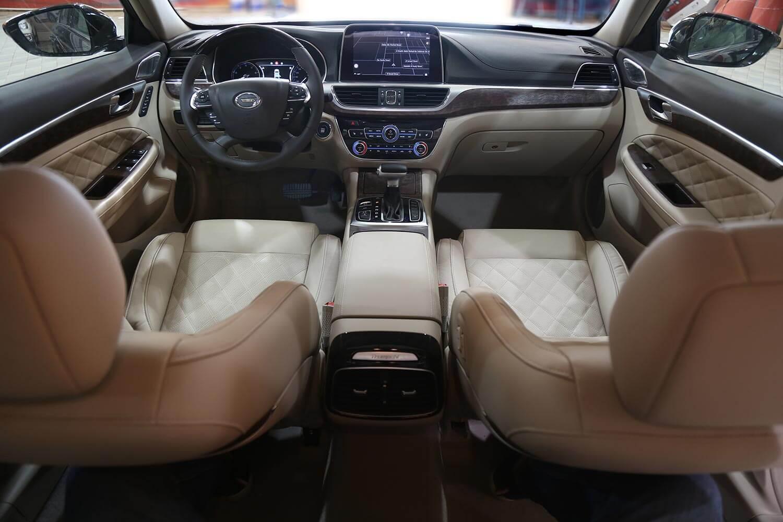 صورة داخلية للسيارة  GAC GA8 GE 2020