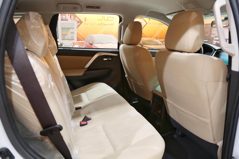 صورة داخلية للسيارة  ميتسوبيشي مونتيرو سبورت GLX-LL 2020