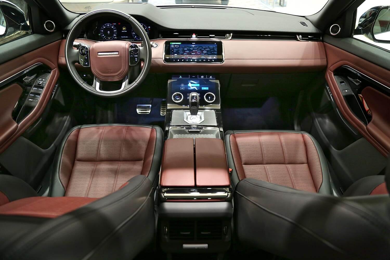 صورة داخلية للسيارة  رنج روفر EVOQUE R-Dynamic 2020