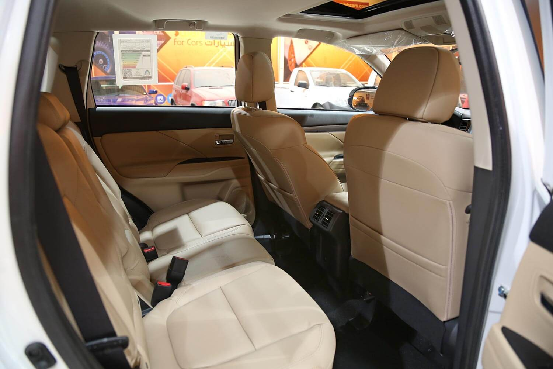 صورة داخلية للسيارة  ميتسوبيشي اوتلاندر GLS-HL 2020