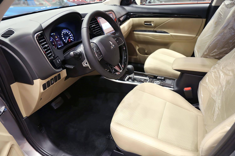 صورة داخلية للسيارة  ميتسوبيشي اوتلاندر GLX-ML 2020