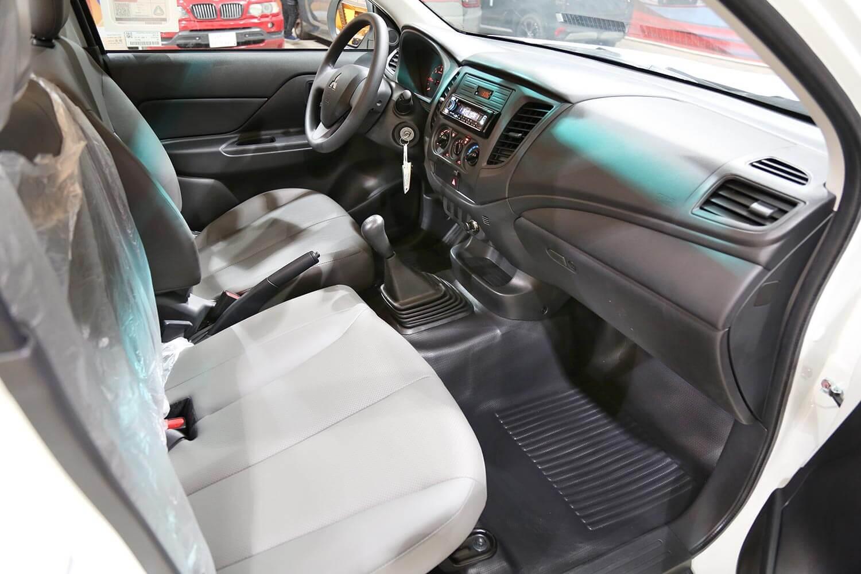 Interior Image for  MITSUBISHI L200 gasoline 2020