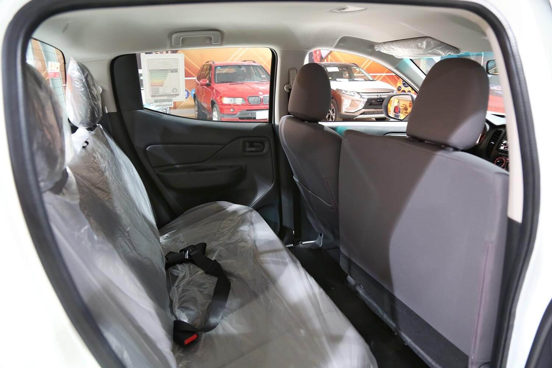 صورة داخلية للسيارة  ميتسوبيشي L200 ديزل4*2 2020