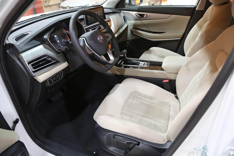 صورة داخلية للسيارة  شانجان CS 75 Basic 2WD 2021