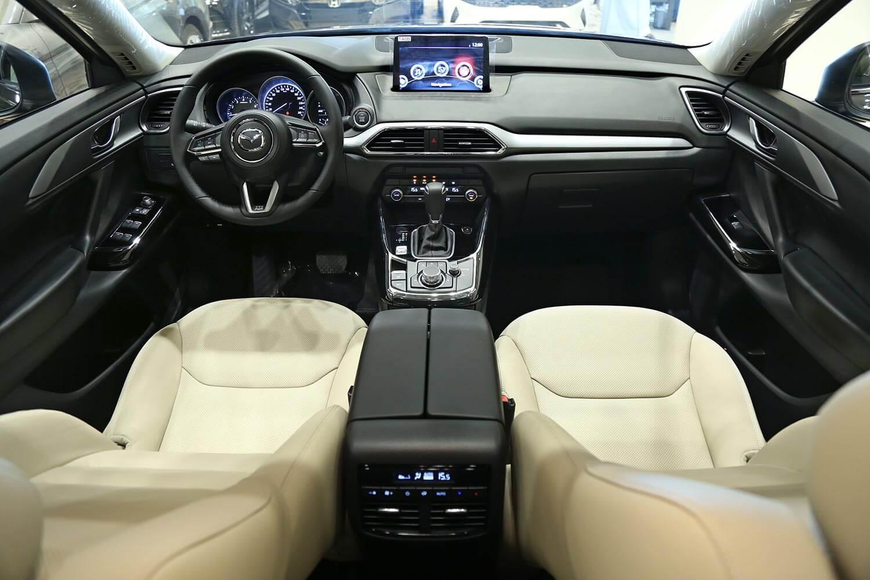 صورة داخلية للسيارة  مازدا CX-9 TC 2020