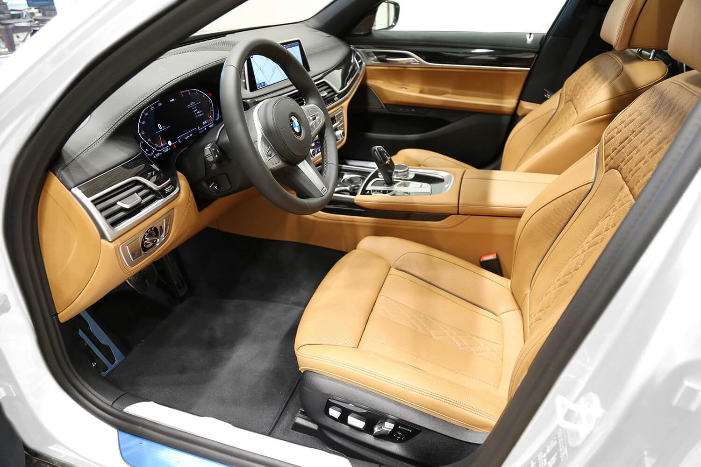 صورة داخلية للسيارة  بي ام دبليو 730 LI 2020
