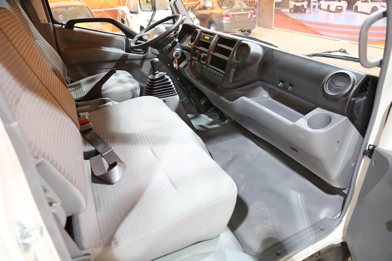 صورة داخلية للسيارة  هينو شاحنة شاسيه 300 714XZU10L 2020