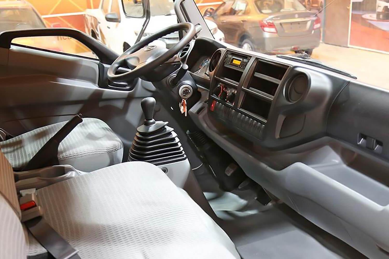 صورة داخلية للسيارة  هينو شاحنة شاسيه 300 816XZU720 2020