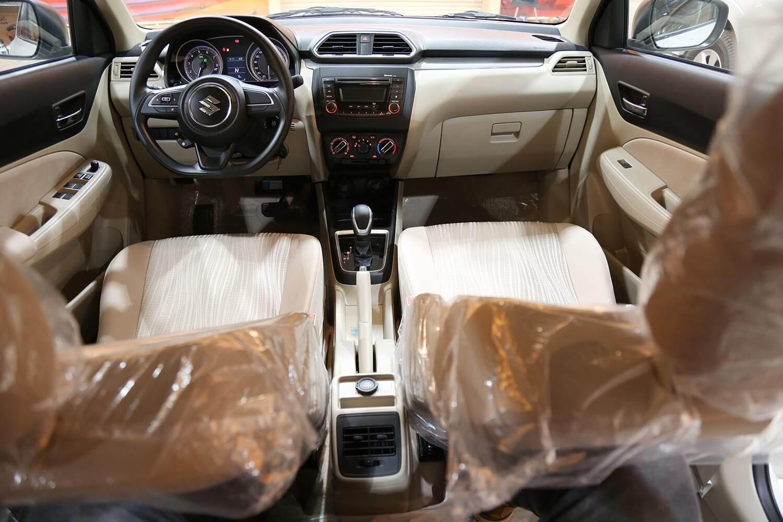 صورة داخلية للسيارة  سوزوكي ديزاير GL 2020