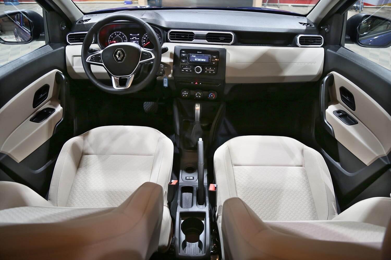 صورة داخلية للسيارة  رينو داستر PE 2021