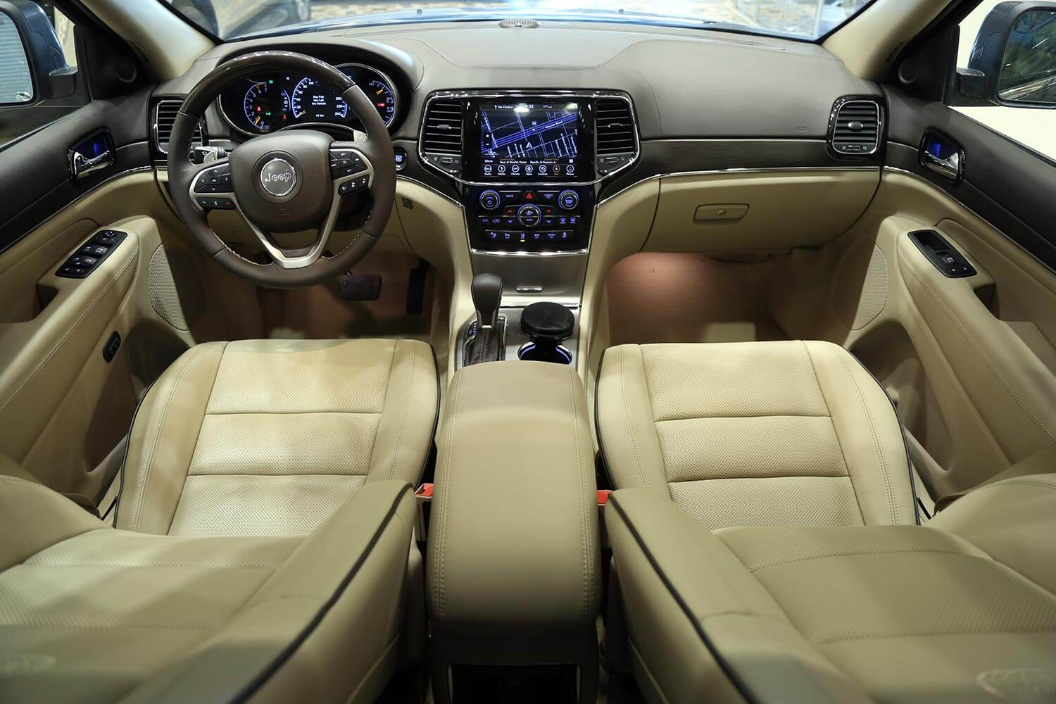 Interior Image for  Jeep Grand Cherokee Overland 2019