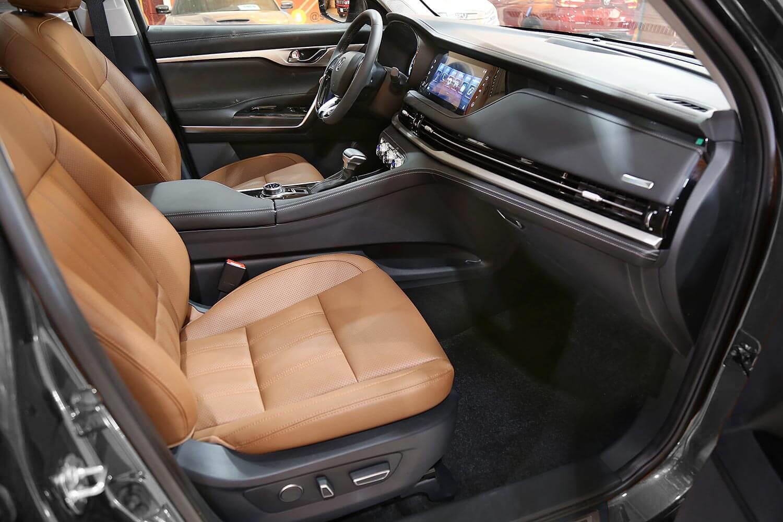 صورة داخلية للسيارة  شانجان CS95 Classic 2021