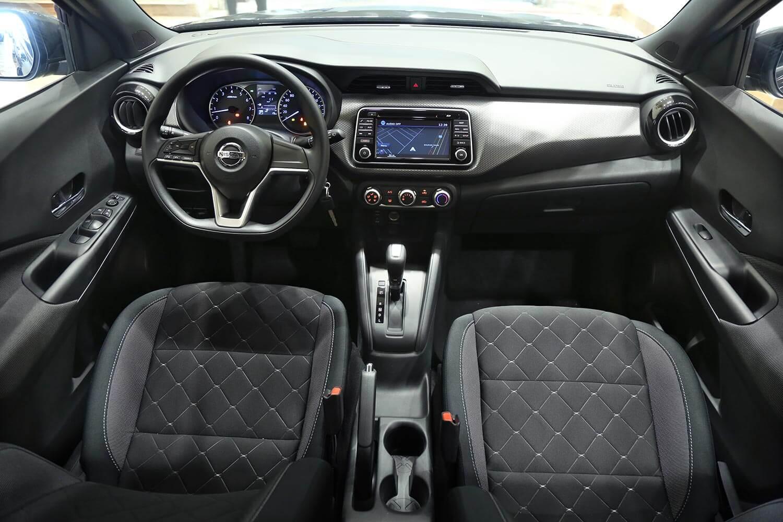 صورة داخلية للسيارة  نيسان كيكس SV 2020