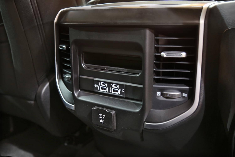 صورة داخلية للسيارة  رام 1500 Big Horn-Sport 2021