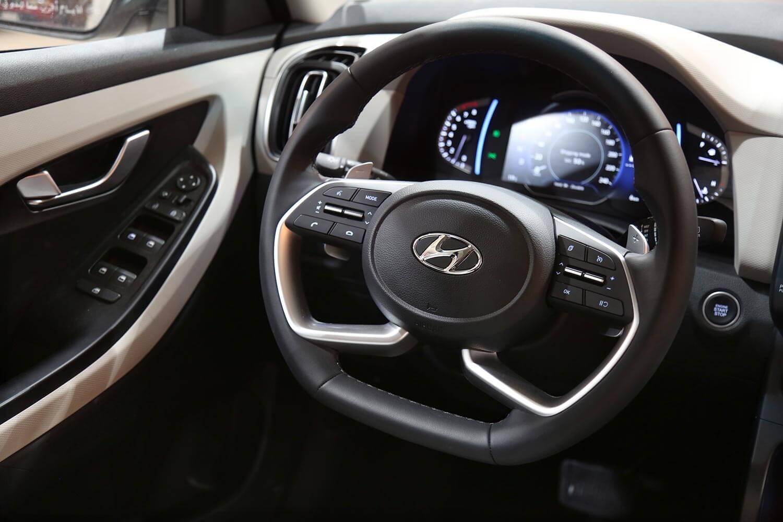 صورة داخلية للسيارة  هيونداي كريتا GL 2WD - MID 2021