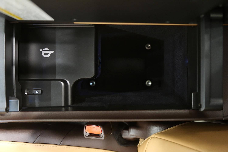 Interior Image for  LEXUS ES350 CC 2021