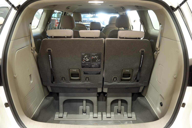 صورة داخلية للسيارة  كيا كرنفال Grand 2020